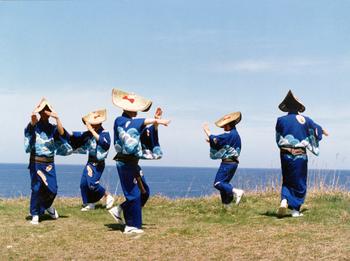 佐渡おけさの優美な踊り.jpg